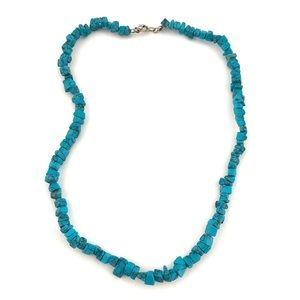 """Jewelry - Vintage Blue Turquoise Chip Strand Necklace 18.5"""""""